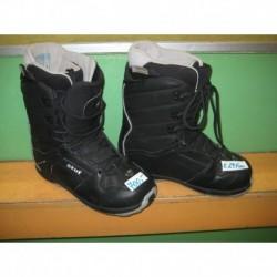 Snowboardové boty - zn. STUF  vel. 29,9 cm